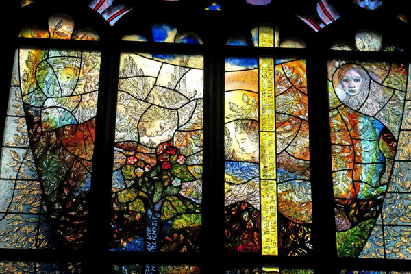 "© Traudi - ""Jedermann""-Fenster, Detail"