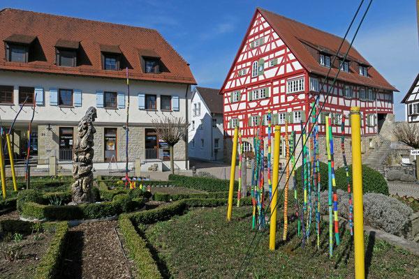 © Traudi - kleiner Garten beim Rathaus