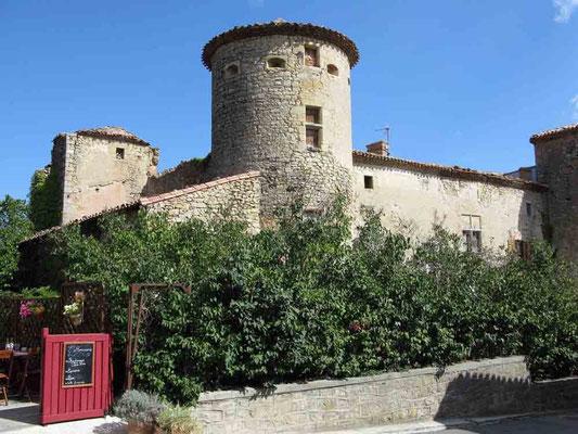 Chateau. Leider ist es nicht für die Öffentlichkeit zugänglich. - © Traudi