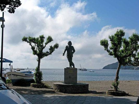 Cadaqués, Dalí-Denkmal - ©Traudi