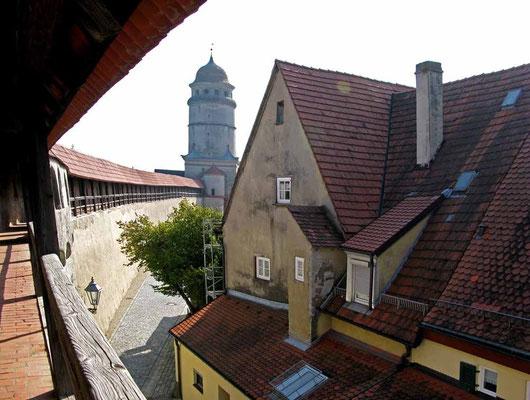 Nördlingen , Blick zum Deininger Tor - © Traudi