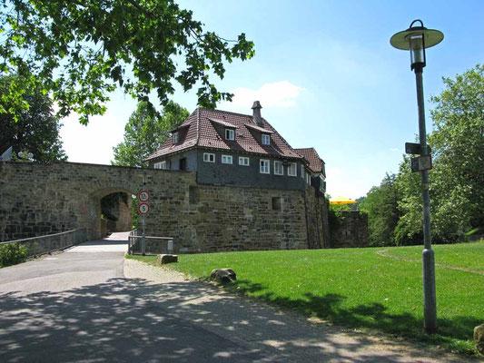 2012 © Traudi ***  Oberes Tor zum Burghof
