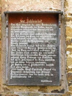 © Traudi – Rechberghausen, Tafel am Schloss