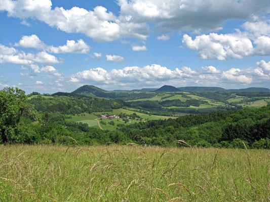 © Traudi – Blick zu den beiden Kaiserbergen Rechberg und Stuifen