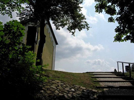 © Traudi – Parkstein, die letzten Stufen zur Kapelle