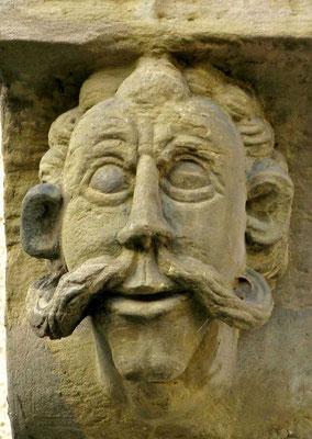 © Traudi - Wilder Mann / Soldetengesicht (1685) Der gewaltige Bart deutet auf ein Janitscharenkriegergesicht hin. Diese türkischen Elitesoldaten durften wegen ihrer christlichen Herkunft keine Vollbärte tragen.