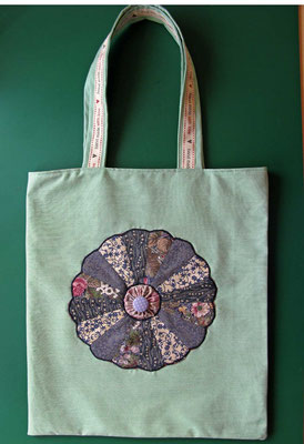 © Traudi - Tasche mit Patchworkrosette - April 2016