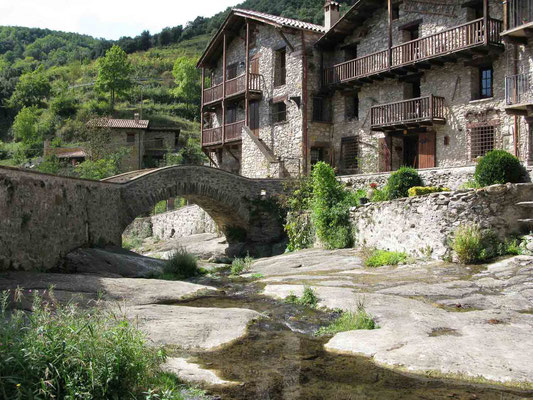 © Traudi  -  Brücke in Beget in den Pyrenäen, Katalonien