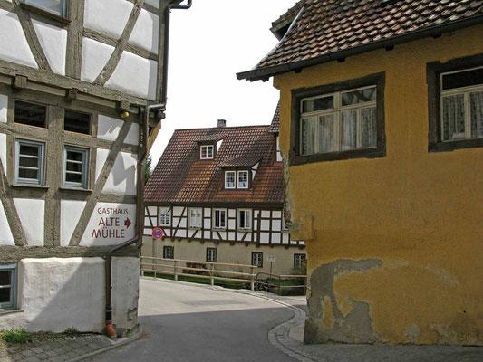 © Traudi - Enge Durchfahrt im Mühlviertel