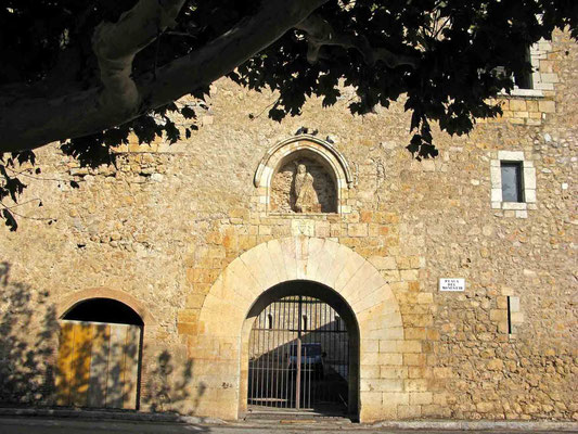 © Traudi – Kloster Vilabertran, Portal am Placa del Monestir
