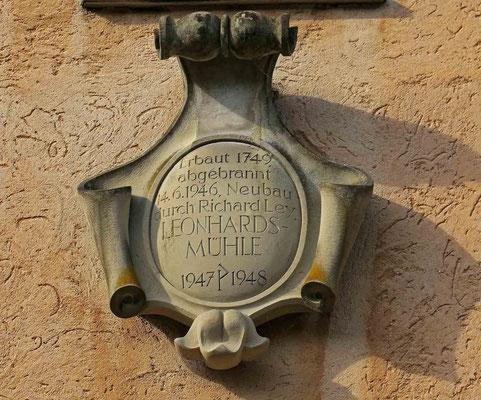 © Traudi  -  Inschrift am Gebäude der Leonhards-Mühle