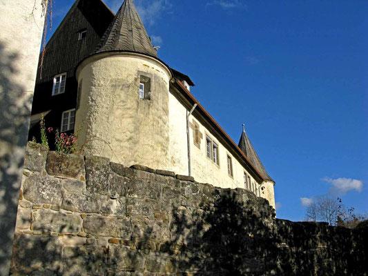 © Traudi  - Blick von außen über die Klostermauer