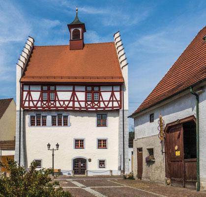 © Traudi - Ifflinger Schloss, um 1300 erbaut von den Grafen von Hohenberg.
