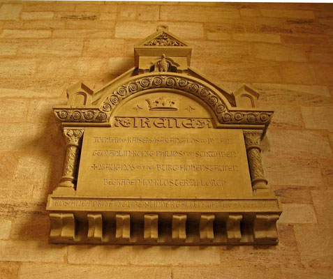 © Traudi – Denkmal für Königin Irene - Am 16. Dezember 1898 wurde im südlichen Querschiff der Klosterkirche diese Gedenktafel für Irene von Byzanz enthüllt.