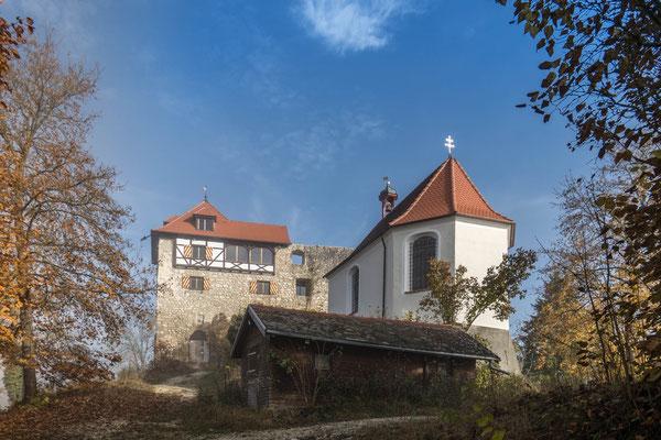 © Traudi - Burgruine mit Michaeliskapelle