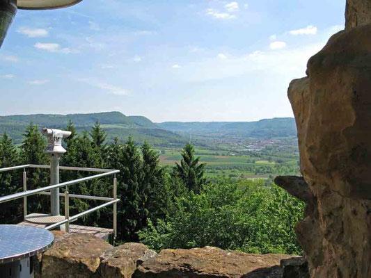 © Traudi – Burgruine Staufeneck, Ausblick auf die Schwäbische Alb