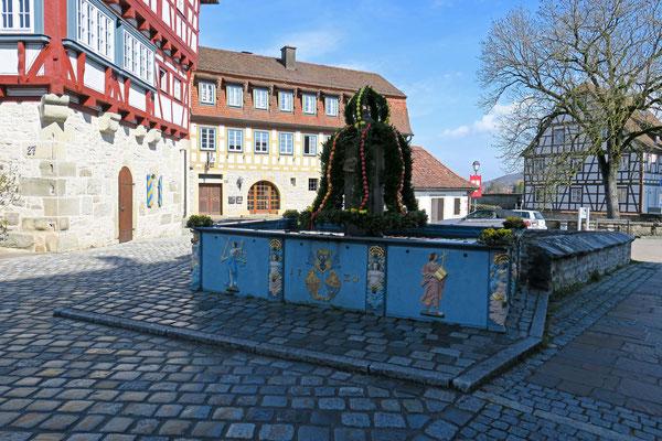 © Traudi - Brunnen beim Rathaus
