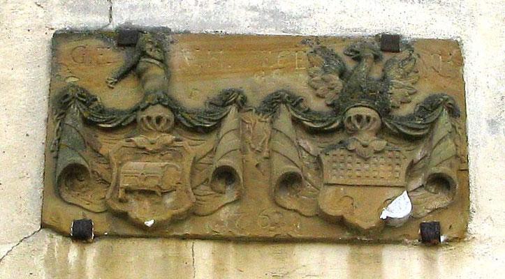 Foto 02.04.2010   Wappen am Unteren Schloss