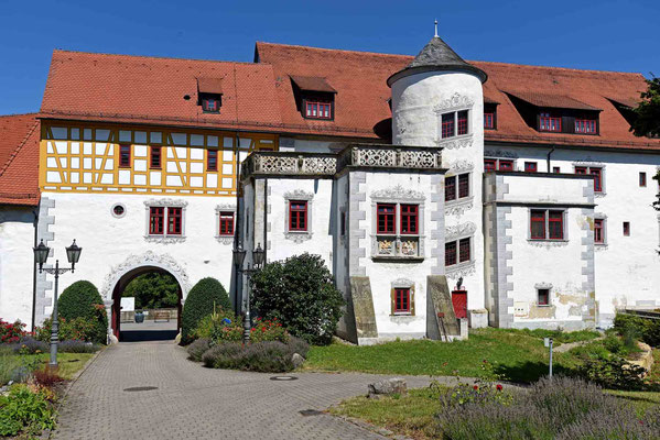 © Traudi - Oberes Schloss, Torhaus und Palas
