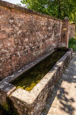 © Traudi - Brunnen beim Kloster Lobenfeld
