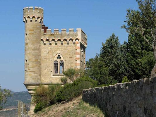 Tour Magdala. Der im neugotischen Stil erbaute Turm war die Bibliothek und der Rückzugsort Saunières.   - © Traudi