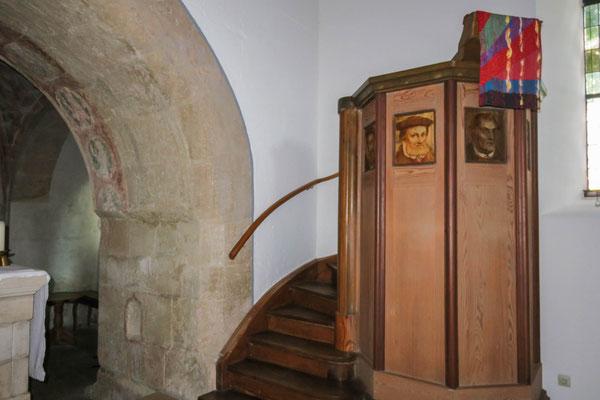 © Traudi - Kanzel mit Teil des Triumpfbogens über dem Altar