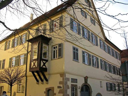 © Traudi - Die ehemalige Vogtei ist Geburtshaus des berühmten Juristen Karl Georg von Wächter (1797-1880)