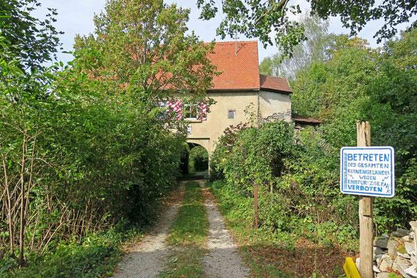 © Traudi - Zugang zur Vorburg