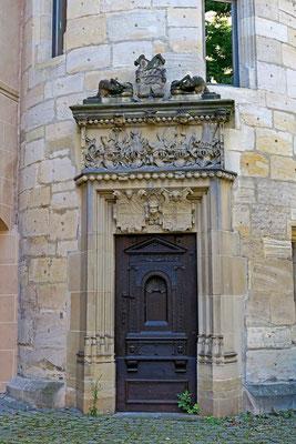 © Traudi - Portal mit dem württemberger Wappen im Turm