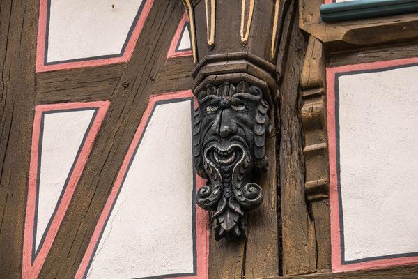 © Traudi - Bürgermeister Elsässer-Haus, ein Neidkopf an der Erker-Unterseite