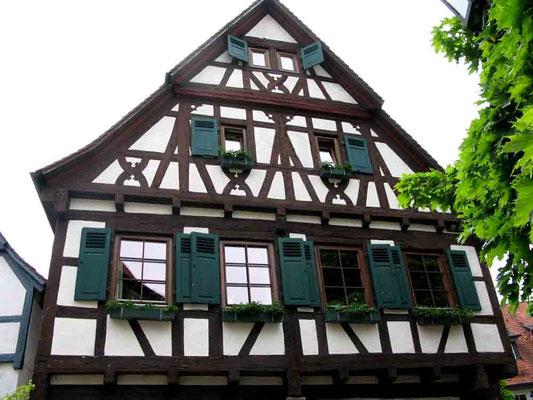 09.06.2010 (c) Traudi  -  Weingärtnerhaus  -  Das Weingärtnerhaus mit ihrem Zierfachwerk befindet sich unmittelbar der Alten Kelter und stammt aus dem 16. Jahrhundert.