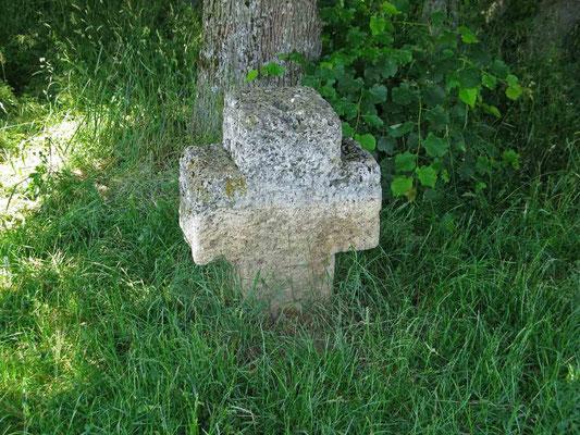 © Traudi – Schopflocher Moor, Sühnekreuz. Hier ist im Mittelalter ein Verbrechen geschehen.