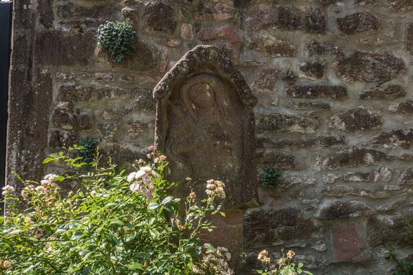 © Traudi - ein ehemaliger Altar, Detail: Maria mit Kind