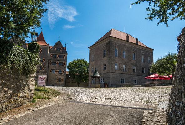 © Traudi - hier gehts zum oberen Burghof