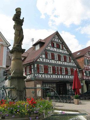 © Traudi - Marktplatz mit Marktbrunnen