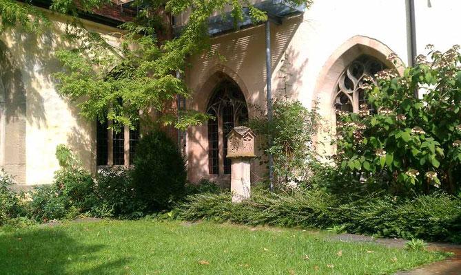 Kloster Denkendorf, im Klostergarten -  © Traudi