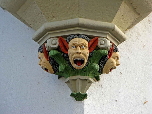 © Traudi - Der stiere Blick, die heraushängende Zunge und der zähnefletschende Mund beeindrucken den Betrachter.