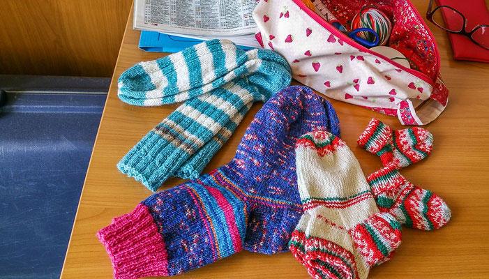 © Traudi - März 2019 - verschiedene Socken gestrickt während meines Reha-Aufenthalts