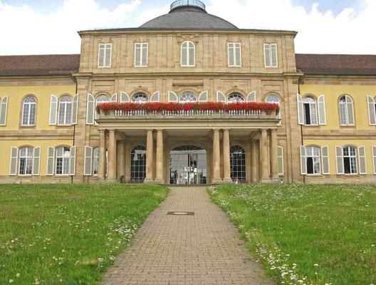 Schloss Hohenheim, Mittelbau - © Traudi