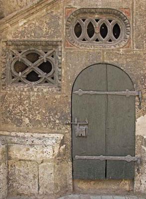 """Nördlingen, Eingangstür zum """"Narrenhäuschen"""" - © Traudi"""