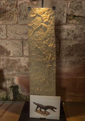 © Traudi - Fossilienausstellung. Hier kann man die Spuren erkennen