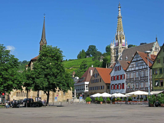 © Traudi - Marktplatz mit Münster St. Paul (li.) und Frauenkirche (re)