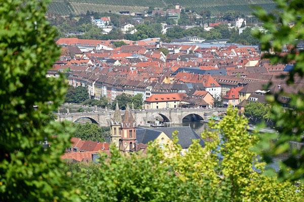 © Traudi - Ausblick zur Alten Mainbrücke