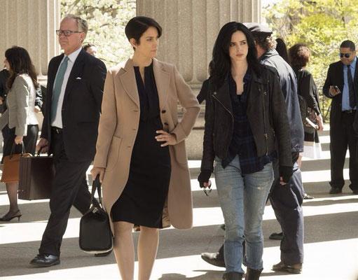 Anwältin Hogarth und Detektivin Jessica