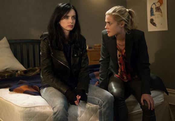 Jessica und Trish (Rachael Taylor) beim Krisengespräch
