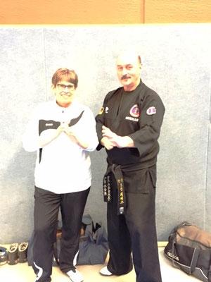 Unsere Trainerin Ursula Breuer mit Hapkido Großmeister Josef Römers