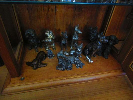 Cani in bronzo