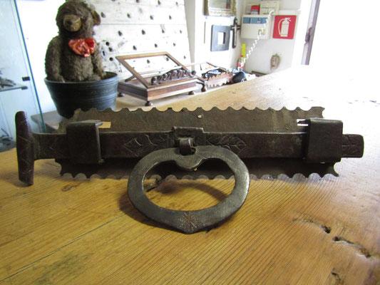 Antica serratura lavorata