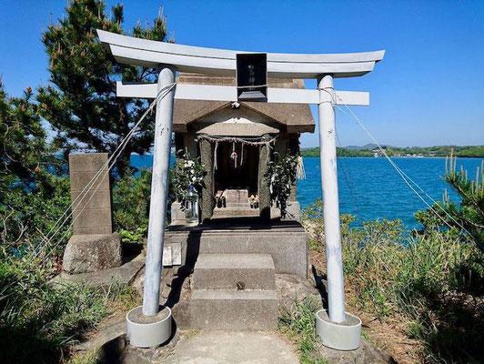 箱島神社の祠 Hakoshima Shrine