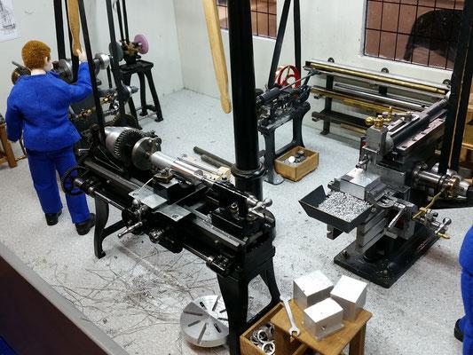 Die Drehmaschine (1:12) - Werkstück beachten